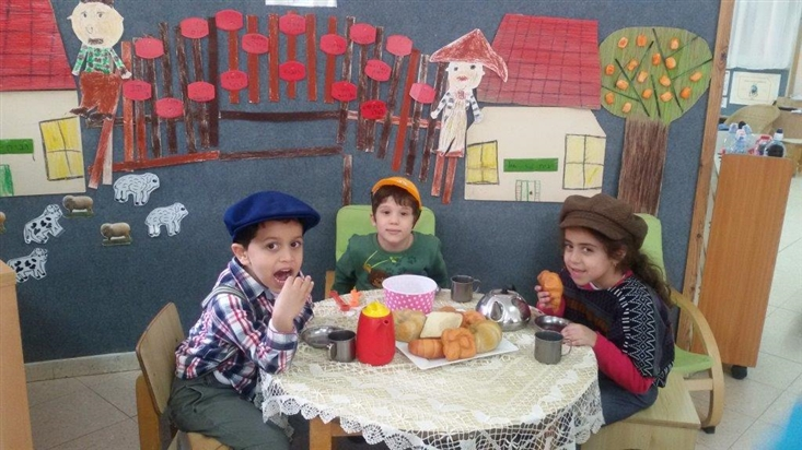 Playing out the story The Bridge Tale in Gan Nofar in Rechovot